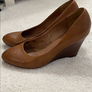 ALDO brown wedges. Size 9